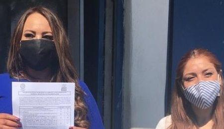 Rosa Icela Díaz Gurrola se registra como aspirante a la precandidatura por el PAN distrito 10