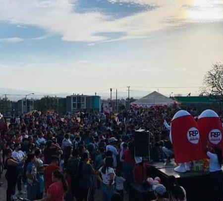«Con muchos huevos», la campaña del candidato a El Salto, Christian Fernando, conquista a los ciudadanos